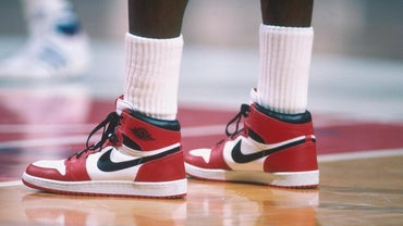 When Did Michael Jordan Sign a Contract With Nike?
