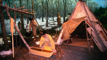 Where Did the Ojibwa Indians Live?