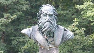 Why Did Walt Whitman Use Free Verse?