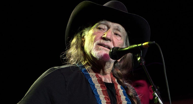 did-willie-nelson-tax-trouble