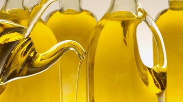 What Is the Difference Between Corn Oil and Vegetable Oil?