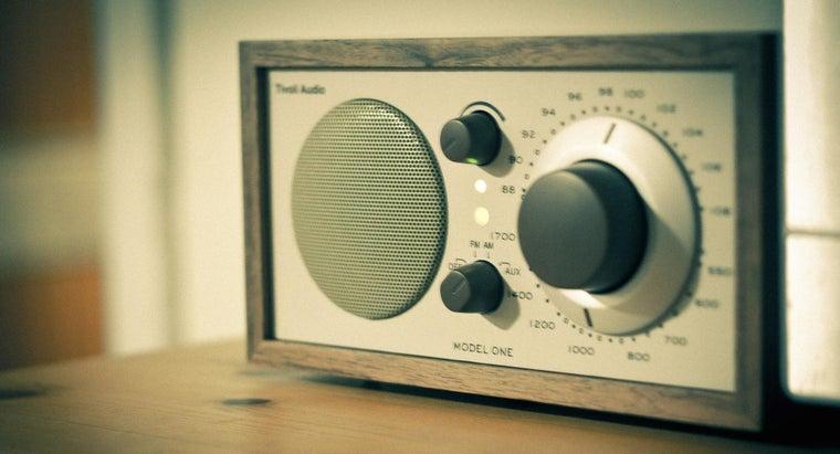 differences-between-tv-radio