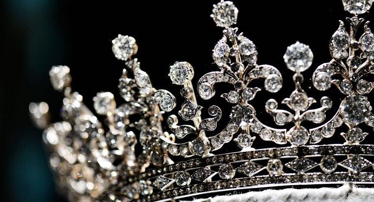 disadvantages-constitutional-monarchy