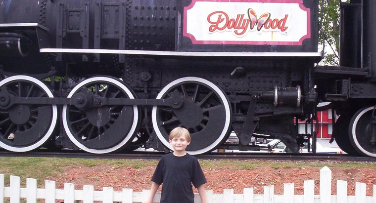 dolly-parton-theme-park-dollywood-located