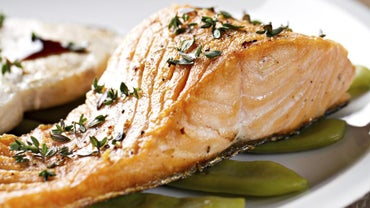 What Is an Easy Baked Salmon Recipe?
