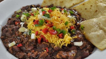 What Is an Easy Crock-Pot Chili Recipe?