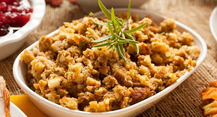 easy-recipe-cornbread-dressing
