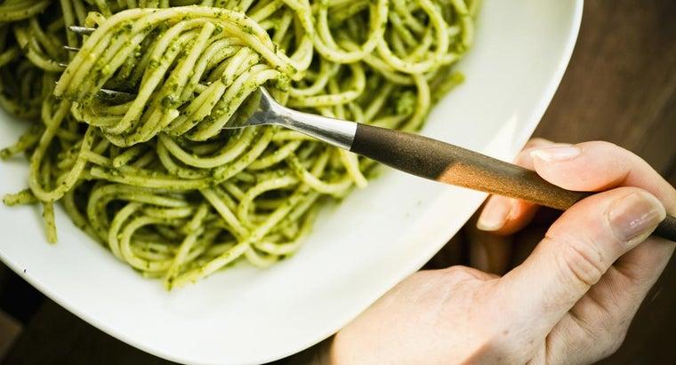 easy-recipe-pesto-using-dried-basil