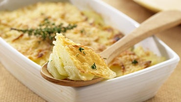 What Are Some Easy Recipes for Cheesy Potatoes?