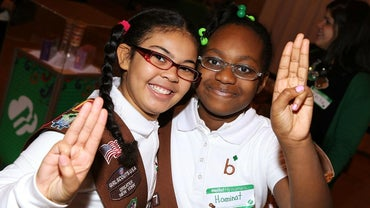 What Are Some Easy Ways to Teach the Girl Scout Promise?