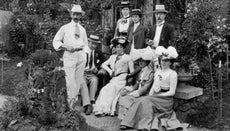 What Is Edwardian Clothing?