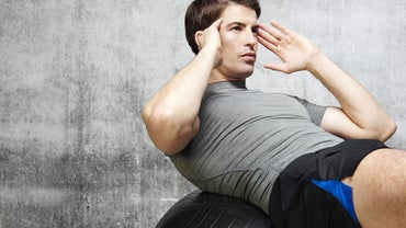 What Are Some Effective Stomach Exercises for Men?