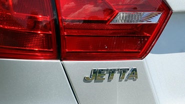 How Far Can You Drive a Jetta With Its Gas Indicator Light On?