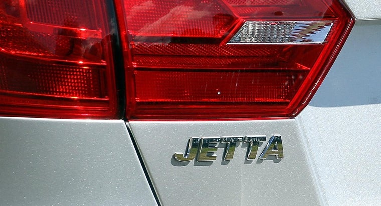 far-can-drive-jetta-its-gas-indicator-light