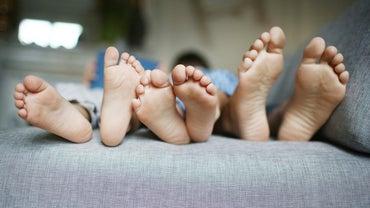 How Do You Get Foot Fungus?