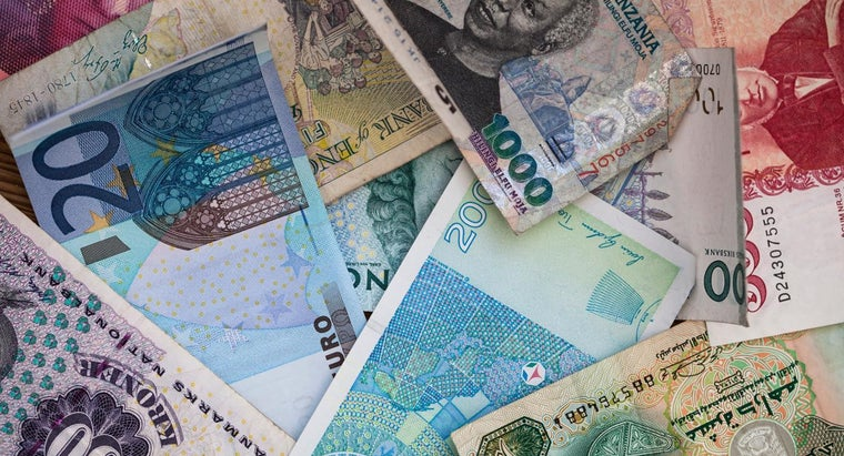 foreign-currency-banks-different-domestic-banks