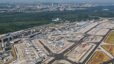 How Is the Frankfurt Airport Laid Out?