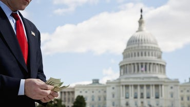 What Fringe Benefits Do Members of Congress Enjoy?