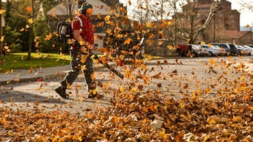 What Are the General Operation Guidelines of Troy-Bilt Leaf Blowers?