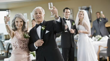 What Are Some Good Examples of Wedding Toasts Given by the Mother of the Groom?