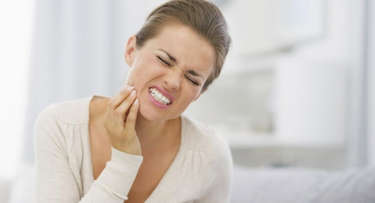 good-home-remedies-emergency-toothache-relief