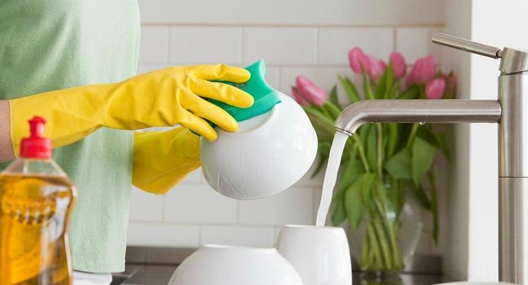 good-idea-wear-rubber-gloves-washing-dishes