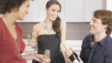 What Are Some Good Ideas for an Open House Party?