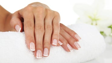 What Is a Good Remedy for Split Fingernails?