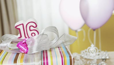"""What Are Good """"Sweet 16"""" Gifts for Girls?"""