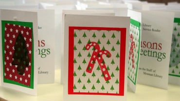 What Are Some Good Things to Write in a Christmas Card?