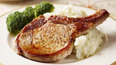 What Are Some Good Ways to Cook Pork Chops in the Oven?