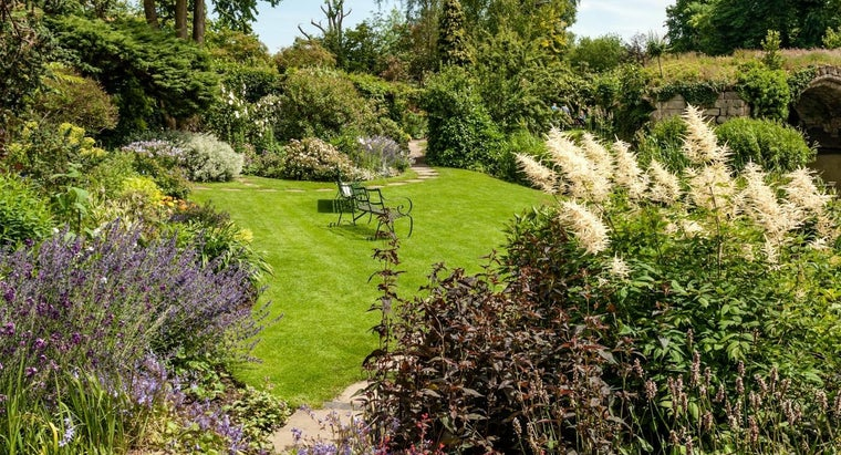 grown-traditional-english-garden