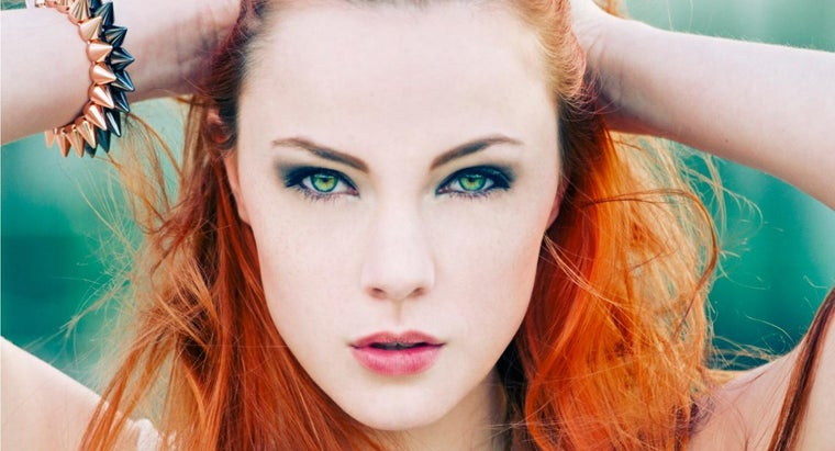 hair-color-brings-out-green-eyes