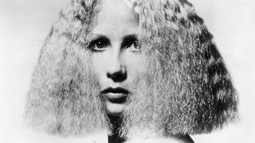 What Are Some Hairstyles That Were Popular in the 1970s?