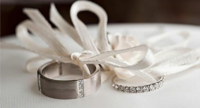 hand-wedding-ring