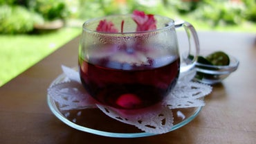 What Are Some Health Benefits of Drinking Hibiscus Tea?