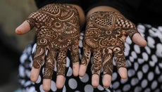 Where Does Henna Originate From?