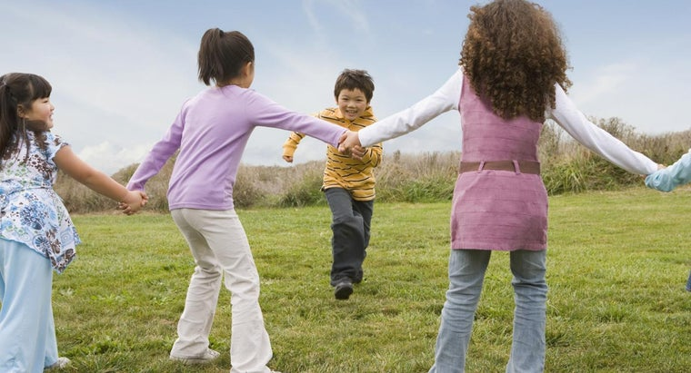 history-outdoor-kids-game-called-red-rover