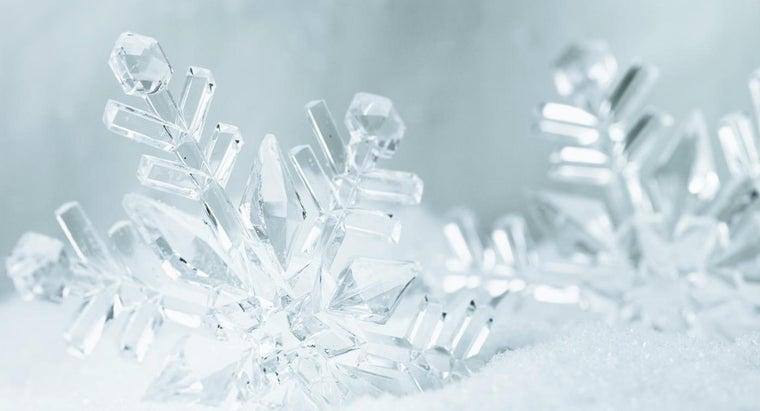 big-can-snowflakes