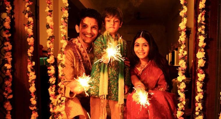 hindus-celebrate-diwali