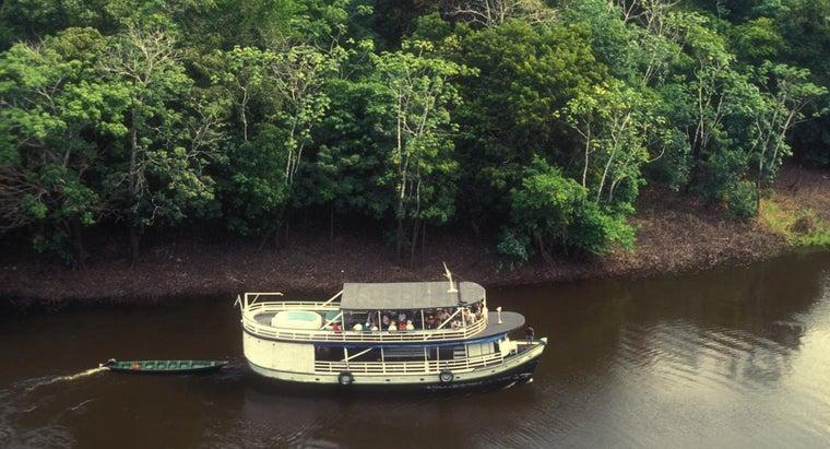 people-use-amazon-river
