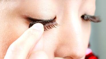 How Long Do Fake Eyelashes Stay On?