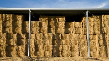 How Many Flakes of Hay Are in a Bale?