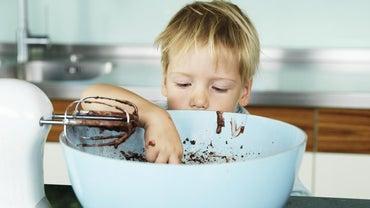 How Many People Does a Quarter Sheet Cake Serve?