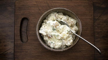 How Many Pounds of Potato Salad Does It Take to Serve 40 People?