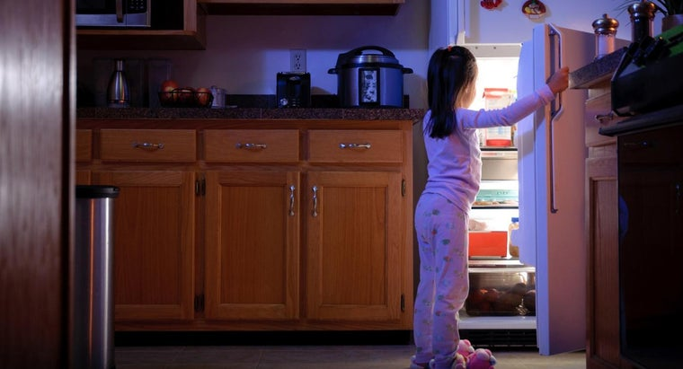 many-watts-electricity-refrigerator-use