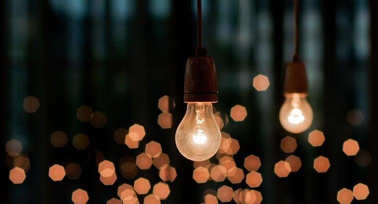 can-remove-stuck-light-bulb