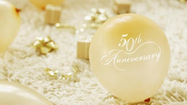 What Are Some Ideas for a 50th Anniversary Party?