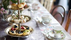 What Are Some Ideas for Tea Party Decorations?