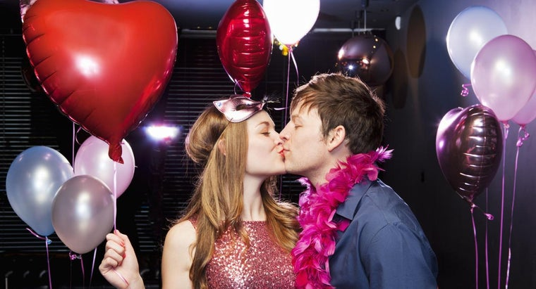 ideas-throwing-valentine-s-day-party-adults